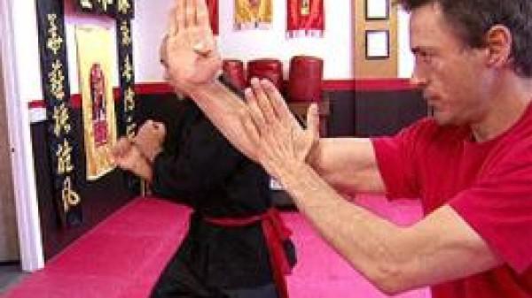 Ο Robert Downy Jr. κάνει Wing Chun!!!(VIDEO)
