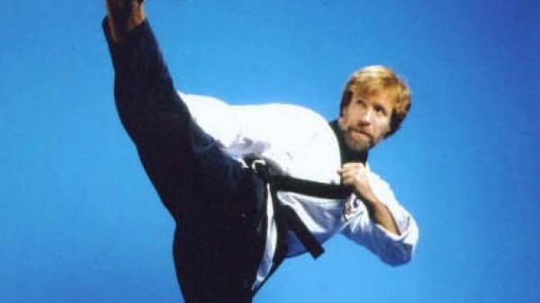 Chuck-Norris-Side-Kick-600x337.jpg