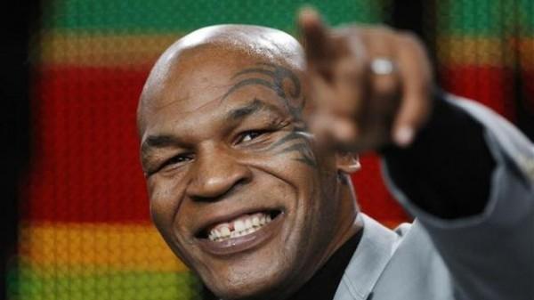 Fat Joe: «Δέκα μπράβοι μας παρακαλούσαν να σταματήσουμε τον άγριο και ξυπόλητο Tyson!»