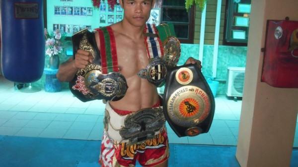 Αυτός είναι ο πρώτος Thai Fighter που κέρδισε τον Buakaw!