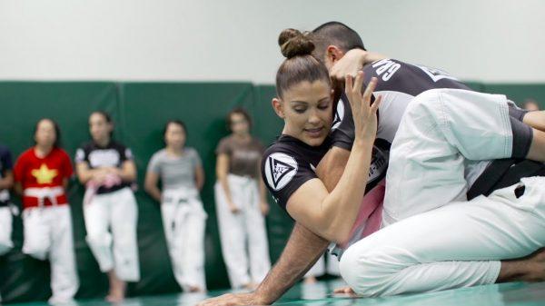 To Jiu Jitsu κάνει τις γυναίκες μάχιμες και σέξι