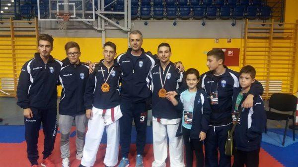 Με τρία μετάλλια από το «Budapest Open» ο «Άθλος Περιστερίου»