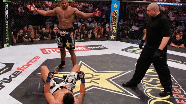 Mε 800.000 δολάρια…τσέπη έφυγε από το UFC 213 ο Overeem