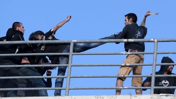 H πραγματική βία δεν είναι μέσα στα ρινγκ αλλά στα γήπεδα