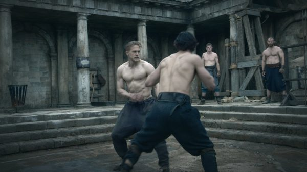 Mε 2.000 push-ups, Jiu Jitsu, πυγμαχία και Thai η προετοιμασία του King Arthur στην ταινία!