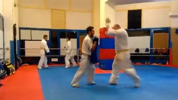 Τεχνικές Ashihara Karate από τον Α.Σ. Δύναμη Βύρωνα.