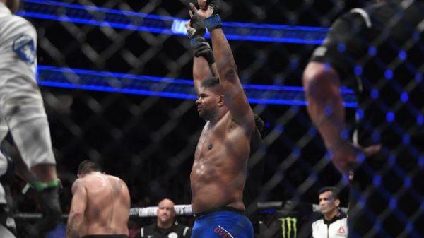 Πήρε το ντέρμπι στο UFC 213 o Οvereem (BINTEO)