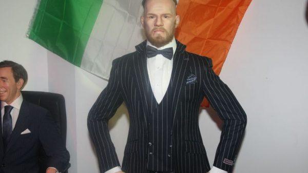 Κράζουν το αποτυχημένο ομοίωμα του McGregor στην Ιρλανδία