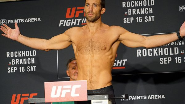 Ο Rockhold είπε για light heavyweight και έφαγε την πρώτη προειδοποίηση από… ψηλά