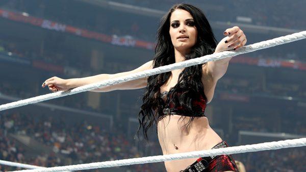 Αθλήτρια του WWE έγινε η «αγαπημένη» των χάκερ με γυμνές φωτογραφίες σε όλο το διαδίκτυο