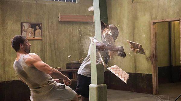 Το απίστευτο χαστούκι του Mike Tyson στον Alain Moussi στα γυρίσματα του «Kickboxing Retaliation» (ΒΙΝΤΕΟ)