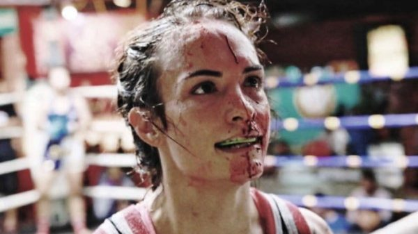 "Sylvie von Duuglas: Η «σιδηρά κυρία"" των 200 αγώνων στο Thai και η εκπληκτική ιστορία της (ΒΙΝΤΕΟ)"