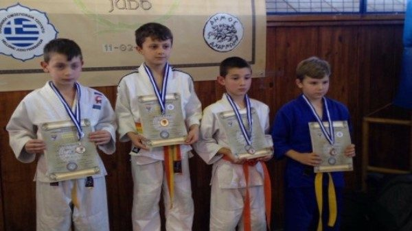 Έξι συμμετοχές και τέσσερα μετάλλια στο Κύπελλο Αχαρνών ο Α.Σ Εύαθλος