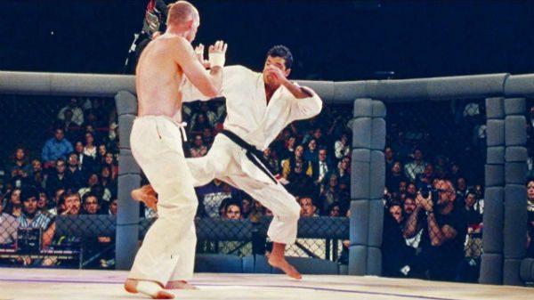 Τα… σπάει το τρέιλερ του ντοκιμαντέρ για το UFC 1 (BINTEO)