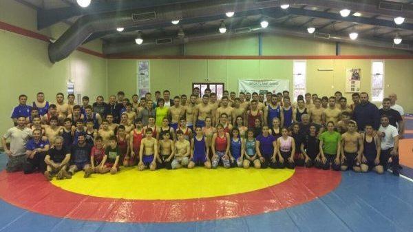 Με 105 αθλητές οι Εθνικές ομάδες πάλης φουλάρουν την προετοιμασία τους