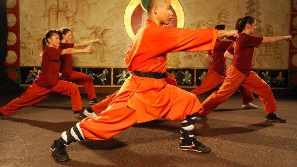 Σαολίν Κουνγκ Φου: Η εντυπωσιακή προπόνηση των μοναχών στις δοκούς