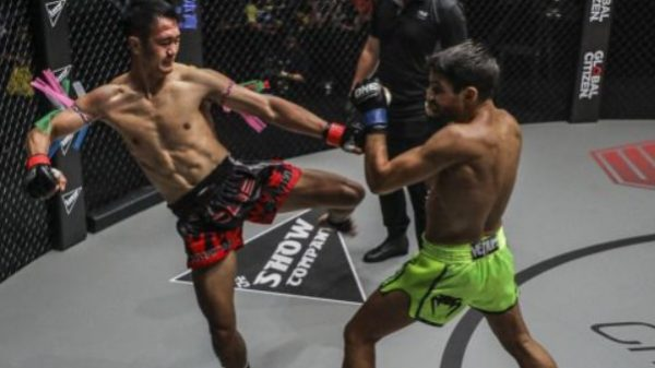 Ο εκπληκτικός Ταϊλανδός Tukkatatong έφτασε τους 276 αγώνες και δίδαξε thai στο One Fc