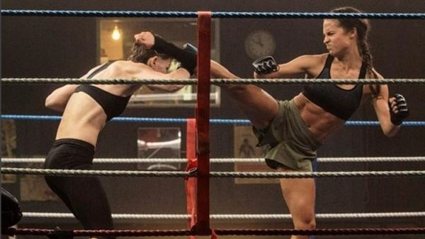 Η Alicia Vikander έγινε «σάκος» στην ταινία Tomb Raider