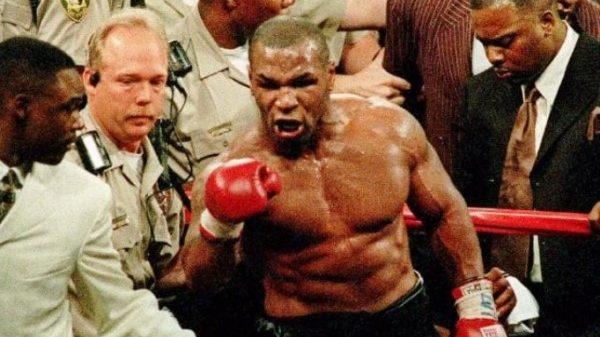 Τρελάθηκε και ο Mike Tyson με το παιχνίδι Khabib vs McGregor