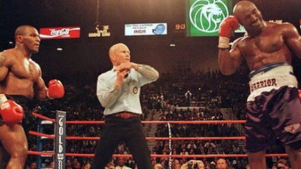 Σαν σήμερα ο Tyson εκδικήθηκε τις…κουτουλιές του Holyfield κόβοντας αυτιά!