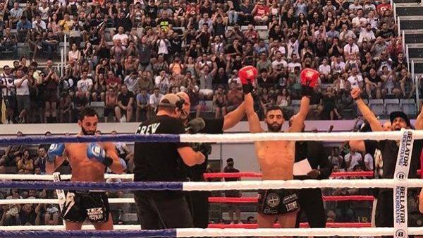 Τεράστια νίκη για Petrosyan μπροστά σε χιλιάδες Ρωμαίους