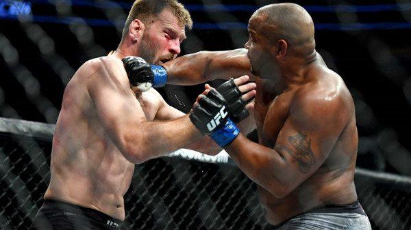 Απόλαυση σε αργή κίνηση τα… μπουνίδια του UFC 226 (BINTEO)