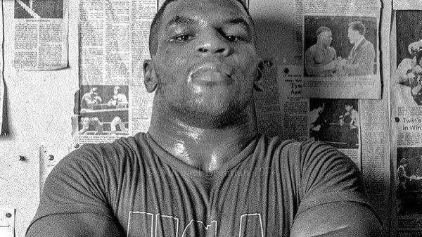 O Μike Tyson «σκοτώνει» σε σπάρινγκ αντίπαλο