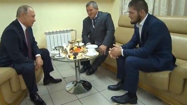 Έγινε η συνάντηση Putin – Khabib: Ο Ρώσος πρόεδρος ζήτησε από τον Nurmagomedov να μην τιμωρήσει αυστηρά τον γιο του