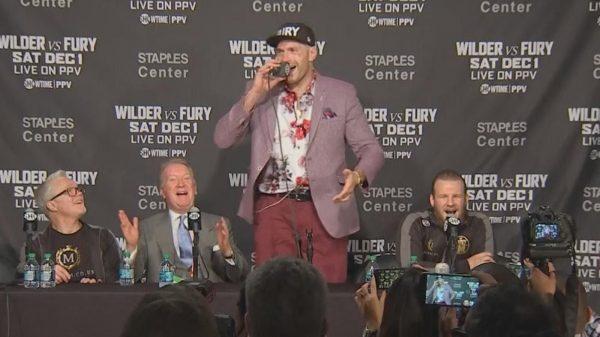 Ο Tyson Fury τραγούδησε το «American Pie» στη συνέντευξη Τύπου