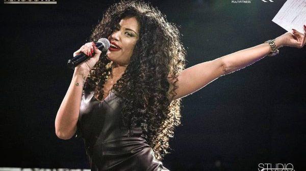 Η βασίλισσα των παρουσιάσεων Λένα Κολάρου στο Face Off