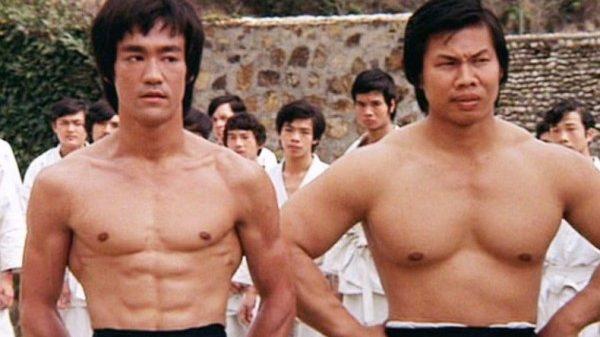 O Bolo Yeung αποκαλύπτει τι έγινε στα παρασκήνια του Enter the Dragon με τον Bruce Lee
