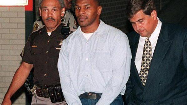 Mike Tyson: Μία φορά χρειάστηκε να ρίξω μπουνιές σε συγκρατούμενο μου στην φυλακή